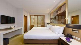 ONE-BEDROOM EXCUTIVE SUITE