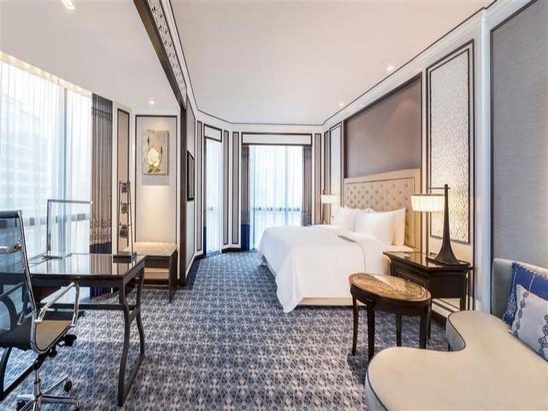 The Athenee Hotel, a Luxury Collection Hotel