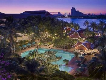 Anantara Riverside Bangkok Resort โรงแรม