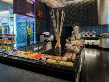 Radisson Suites Bangkok Sukhumvit Hotel