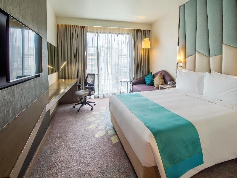 Holiday Inn Express Sukhumvit 11