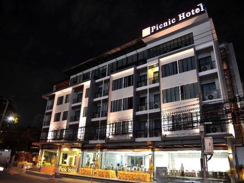 Picnic Hotel