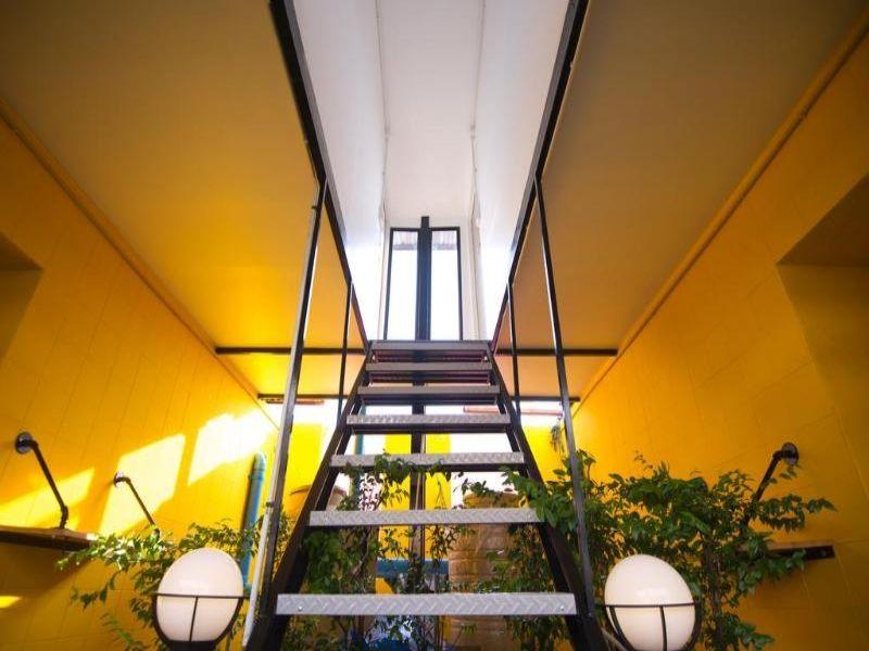 GLUR Bangkok Hostel