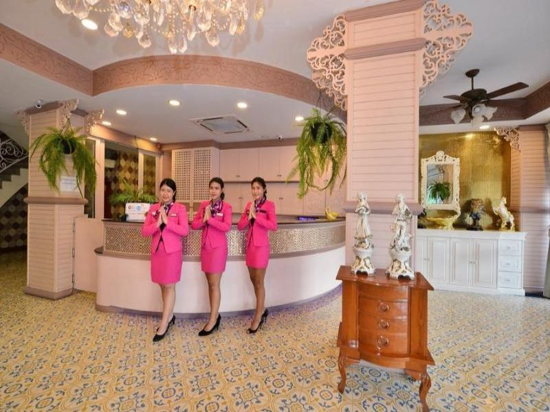 The Grand Paradise Suite